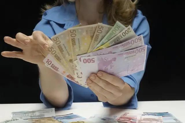 女人做什么赚钱的项目靠谱?适合女人做的赚钱项目-绿洲云
